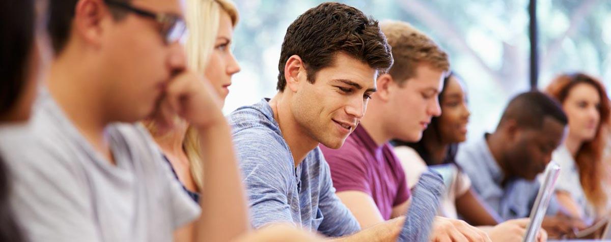 slide-img-estudiantes-2
